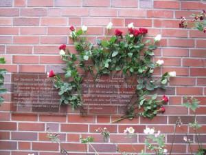 Gedenktafel für den kommunistischen Widerstandskämpfer Rudolf Welskopf und seine Gruppe